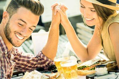 Los mejores signos para una relación seria con Acuario